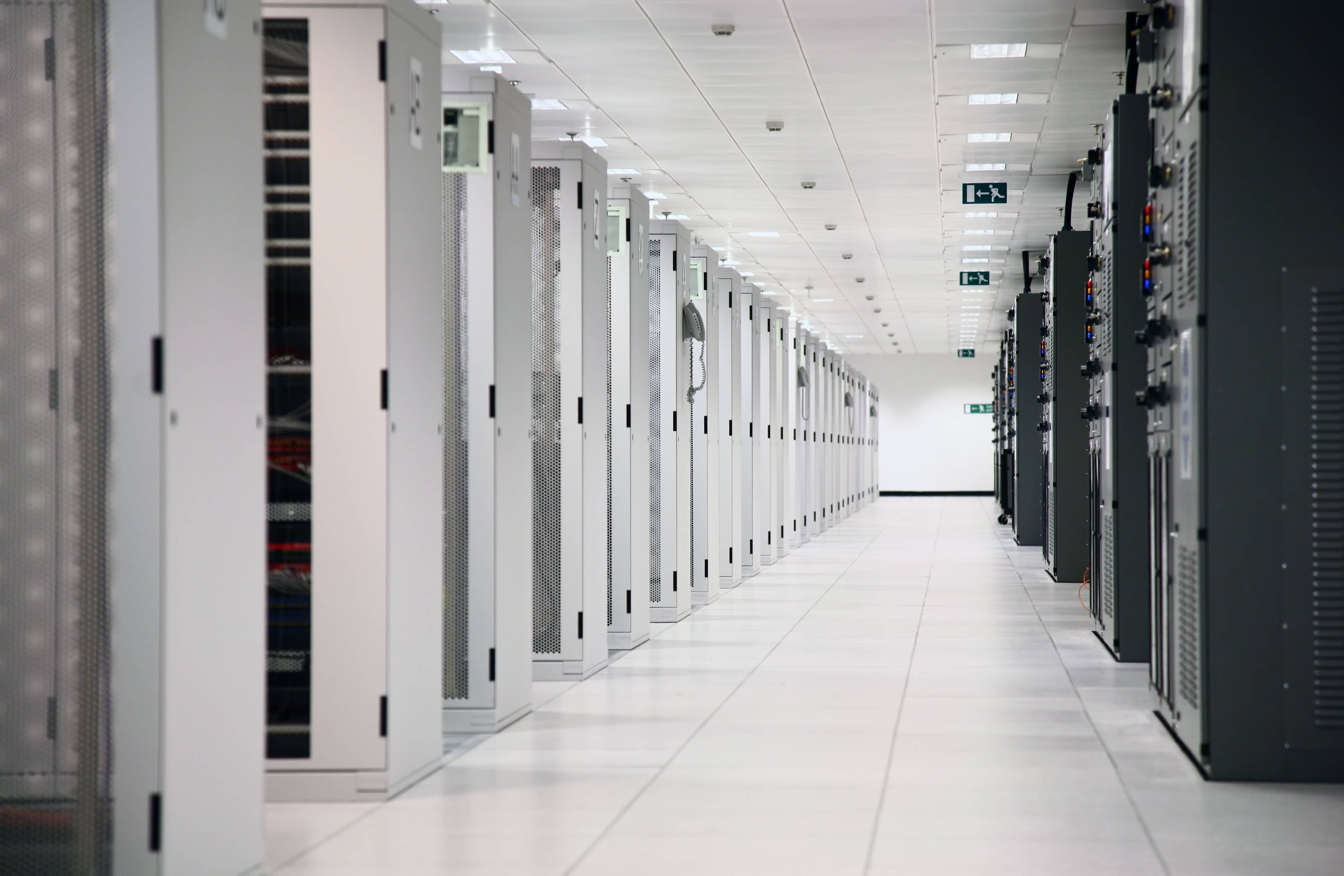The 4 Most Common Data Center Migration Challenges (and How to Conquer Them)